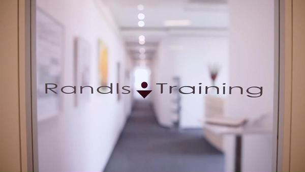 Absolvujte seminář pracovního nebo obchodního práva v moderních učebnách Randls Training