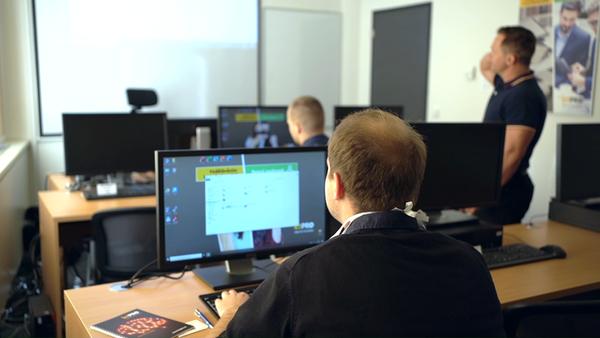 Vítejte ve školicím centru ICT Pro Praha s reprezentativním zázemím i výbornou dopravní dostupností